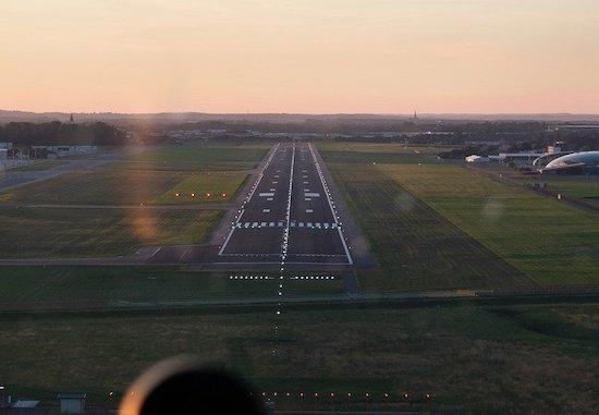 着地点を見極め、次のフライトへ
